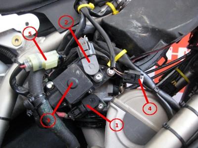 BMWG450X_right1.jpg